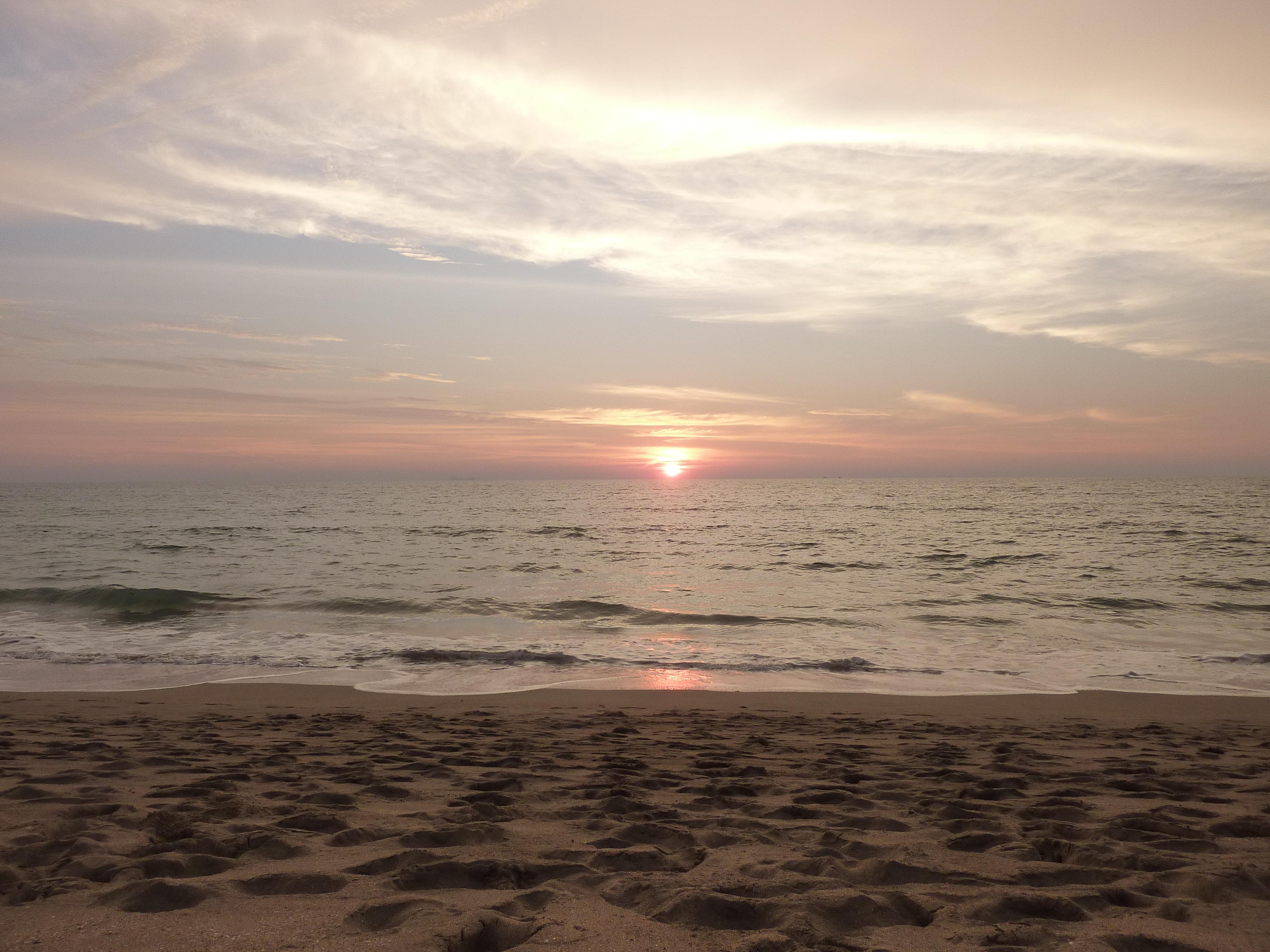 Sunset on Klong Nin